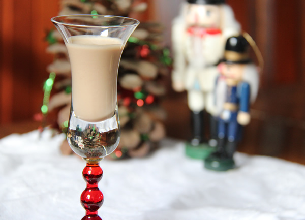 Better-Than-Bailey's Irish Cream (and Homemade Chocolate Syrup ...